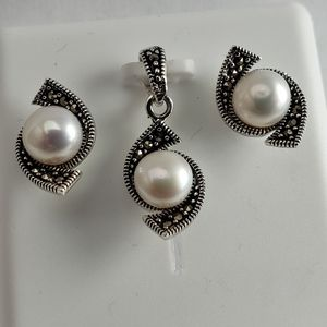 Jewelry - 925 sterling silver pearl pendant earrings set